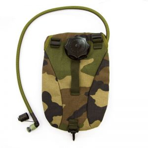 french-tactical-hydration-pouch-front